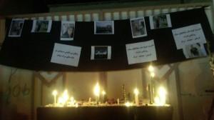 روشن شدن شمع های مردم میناب برای دانش آموزان کشته شده