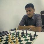 احمد محبی از روستای کهتویه قهرمان مسابقات شطرنج سریع گرامیداشت دهه فجر شهرستان بستک